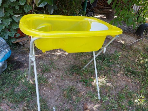 Ванночка для купания на подставке