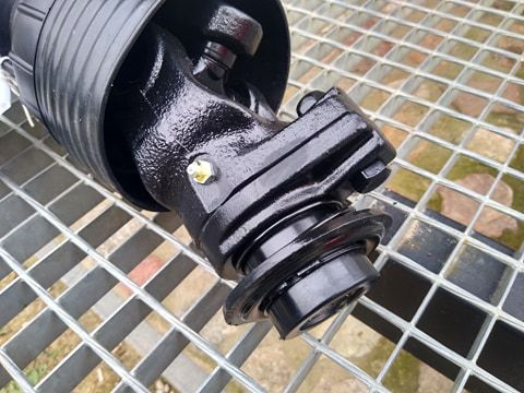 Wałek odbioru mocy WOM SPT T5 830 N.m śruba zrywalna