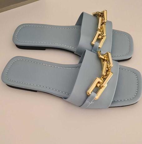 Chinelos azuis Shein