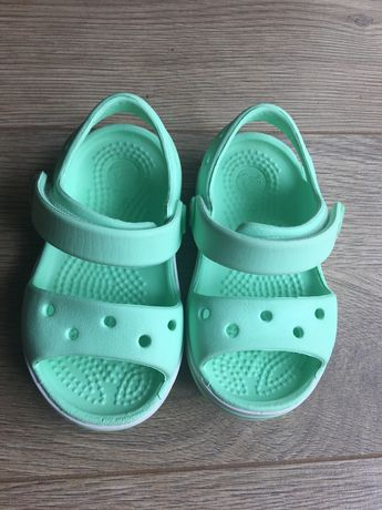 Sandałki Crocs c 4