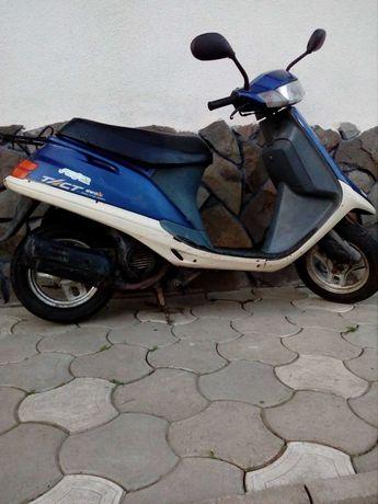 Honda takt AF24.