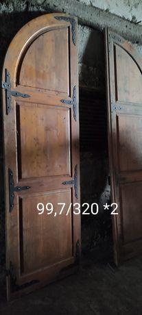Дверь деревянная арочная