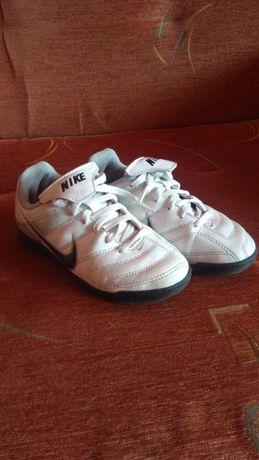 Buty sportowe Nike rozmiar 29,5