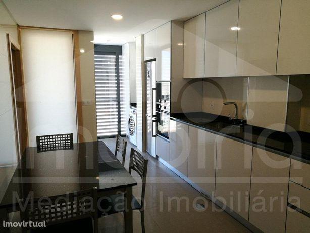 Apartamento T2+1 C/ Varandas Garagem Venda Aradas Aveiro