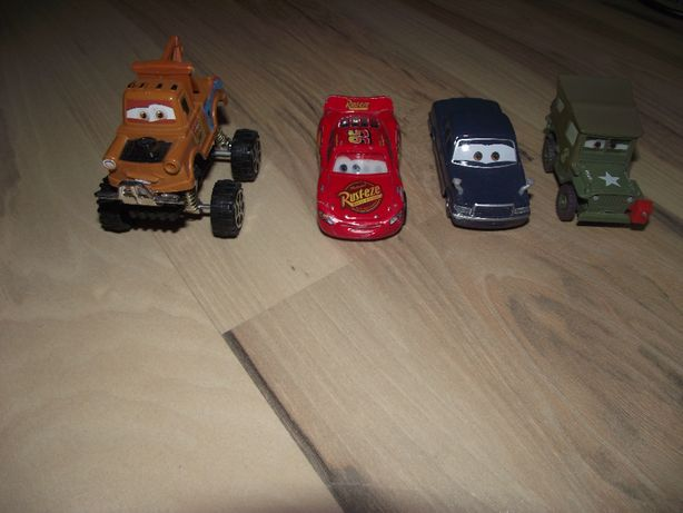 Zestaw autek Cars-Zygzak Mqeen, Złomek, Kamasz, Ogórek NOWE