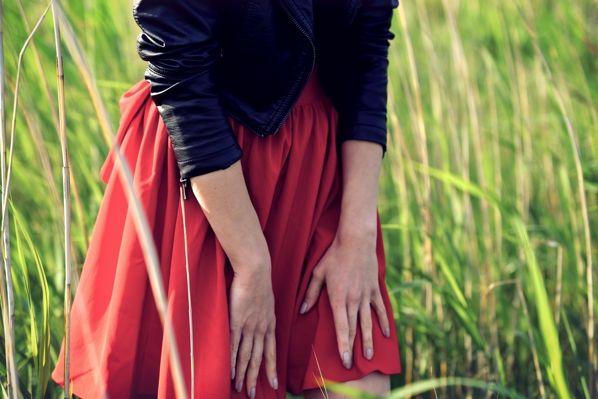 Czerwona rozkloszowana spódnica z kokardą Kasia Tusk Mosquito XS 34