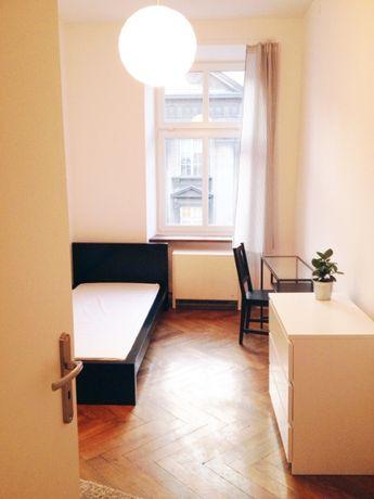 Pokój jednoosobowy w samym centrum / Room for rent in best location