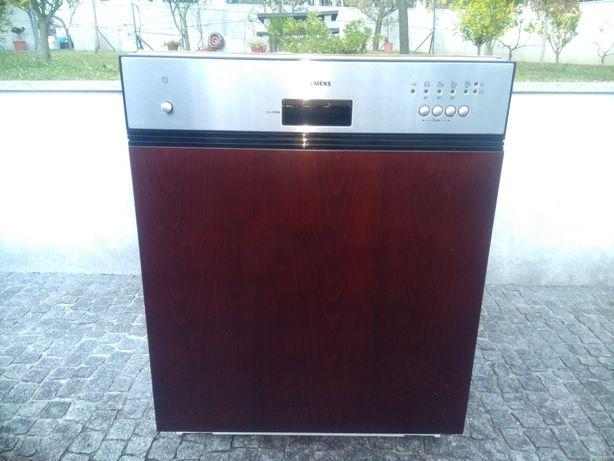 Máquina de lavar louça Siemens de encastrar