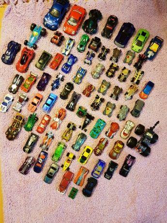 Samochody Hot Wheels i inne razem ok. 75 szt.