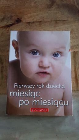 """Książka """"pierwszy rok dziecka miesiąc po miesiącu""""Wydawnictwo Buchmann"""