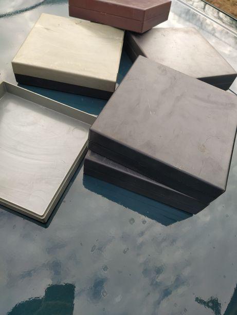 Коробка пластиковая 170х170х40мм(лот 10 шт.)