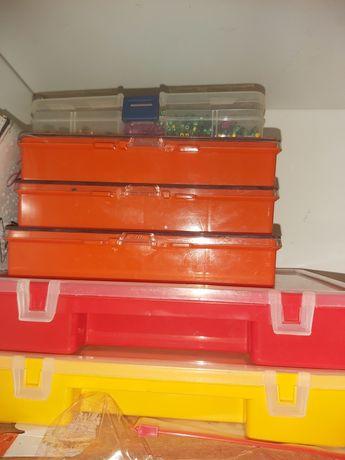 Lote 6 caixas de missangas para bijuteria com vários motivos