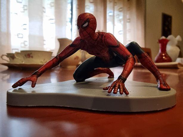 Figura de homem aranha