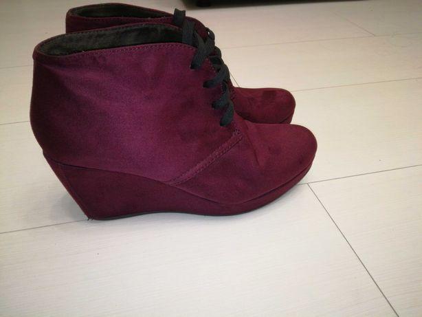 Продам женские брендовые ботинки