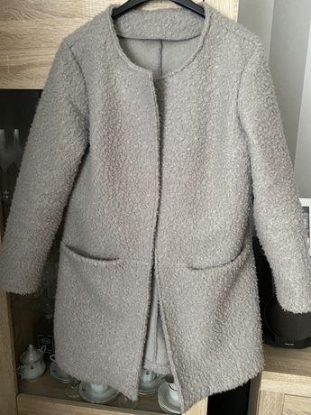 Szary płaszcz z bukli