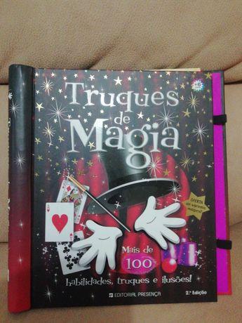 """Livro """"Truque de Magia""""."""