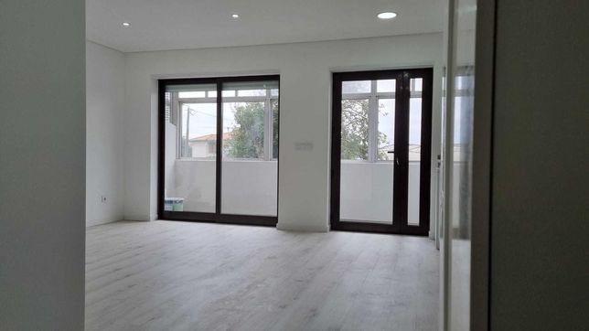 Apartamento T2 em S. M. Infesta