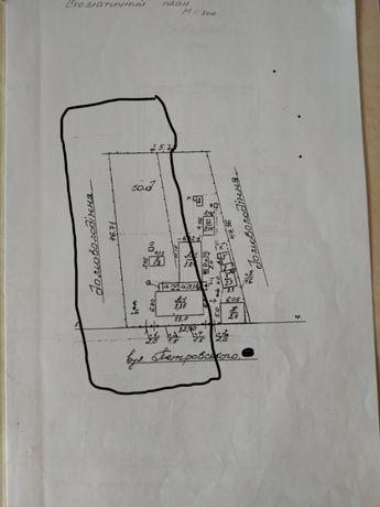 Частина будинку з ділянкою під застройку