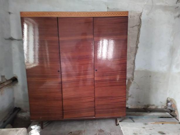 Стара шафа в Коломиї, безкоштовно, ваш самовивіз