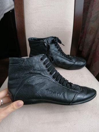 Buty skórzane Prada r 38