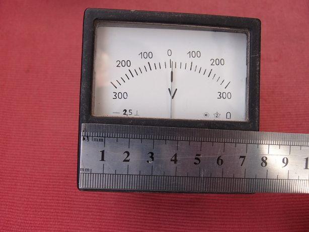 Вольтметр стрелочный до +-300 В постоянного тока