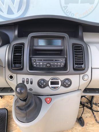 Trafic Vivaro Primastar воздуходув жалюзи радио магнитофон панель