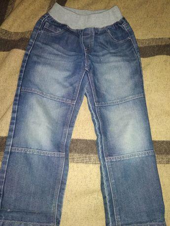 Фирменные джинсы Kiabi на рот 114-120