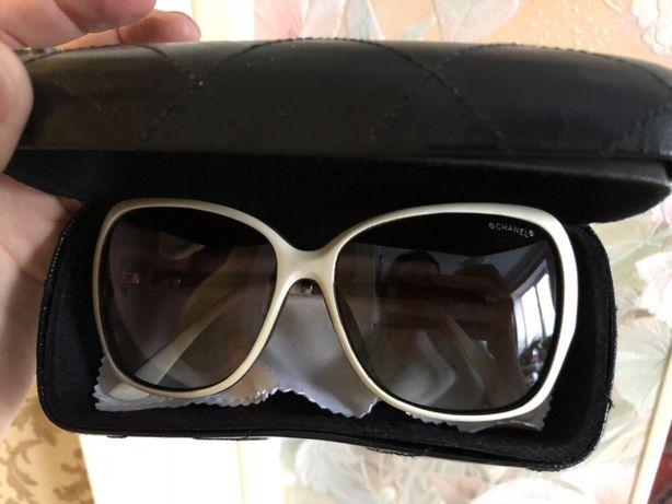 Солнцезащитные очки. Очки.