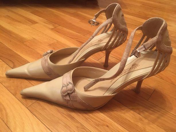 Віддам черевички в хороші руки на жіночі ніжки