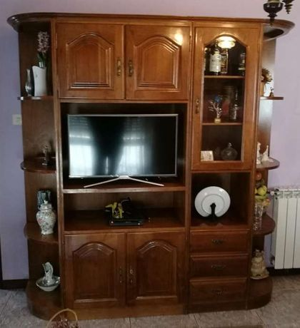 Vendo móvel de sala em madeira
