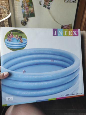Надувной бассейн  Интекс
