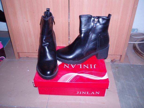 Продам НОВЫЕ женские ботиночки 38 размер