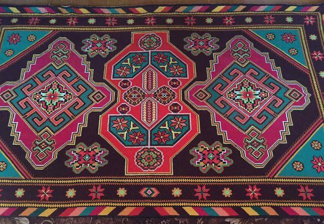 Старовинний килим ручної роботи