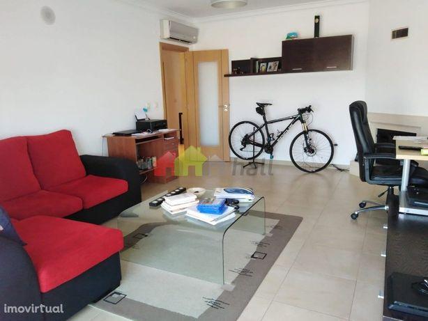 Apartamento T3 c/Arrecadação