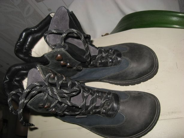 Сапоги ботинки Helvesko,абсолютно кожаные,высокая шнуровка. Разм 36