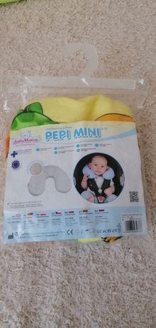 Mini poduszka rogal dla niemowlaka