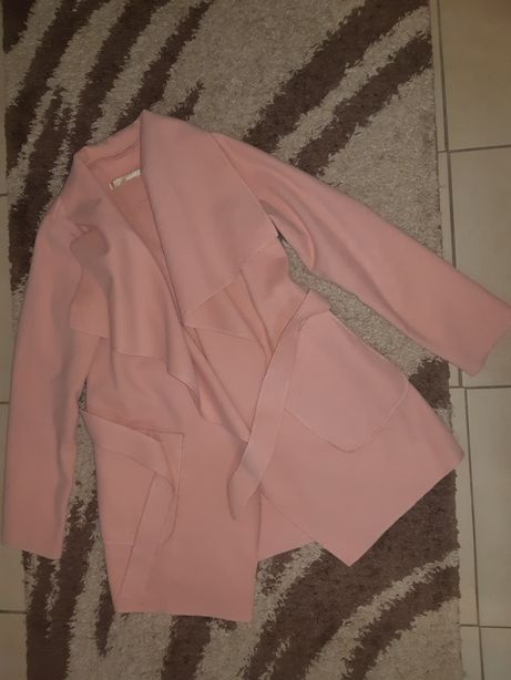 Весняне пальто,розмір м