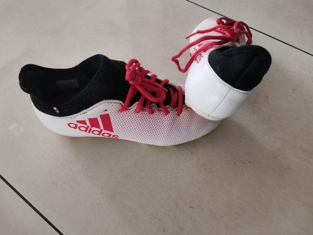 Korki adidas - buty piłkarskie