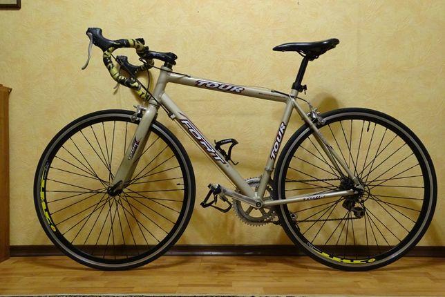 Шоссейный велосипед FORT TOUR, отличное состояние