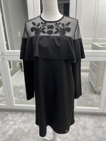 Czarna sukienka z koronką Mohito