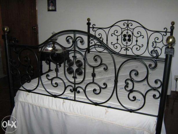 Vendo cama em Ferro Forjado