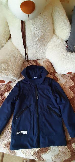 Курточка- вітрівка
