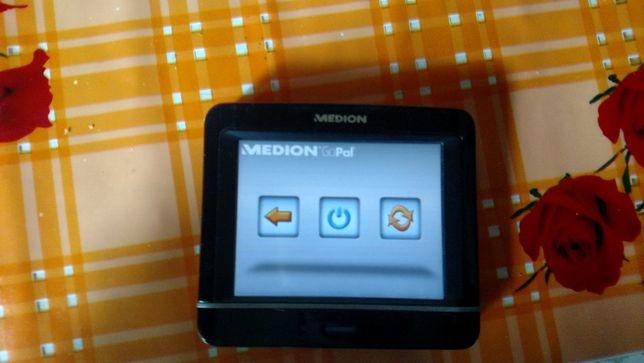 GPS Навигатор MEDION E3230