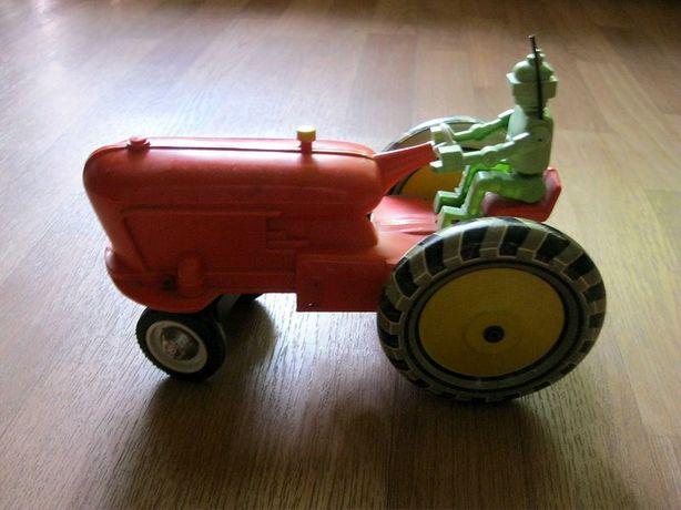 Трактор с Роботом электромеханическая Игрушка СССР
