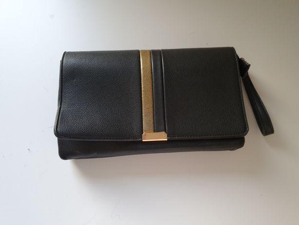 Czarna elegancka kopertówka