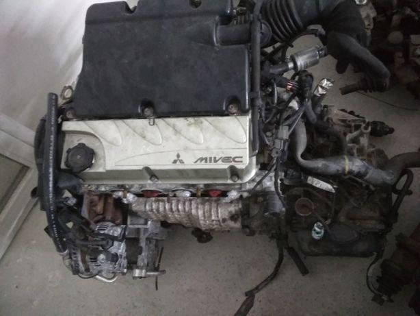 двигун акпп mitsubishi outlander 2.4i 4G69 W4A4B4R2Z