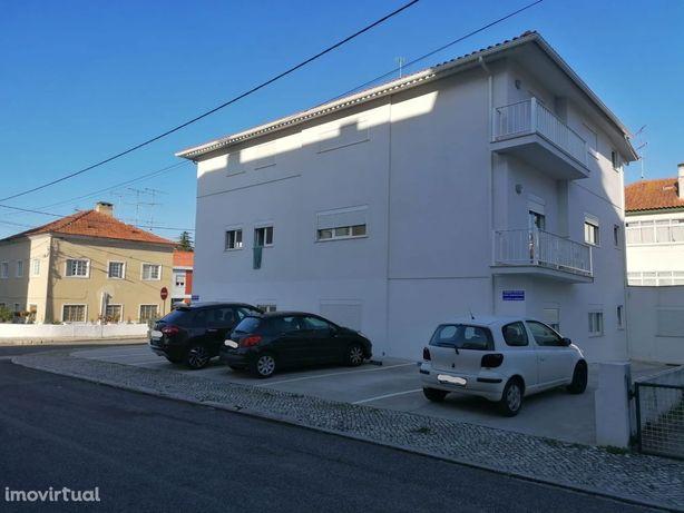 Para investidores.3 apartamentos T2 como novos e arrendados, Alcobaça