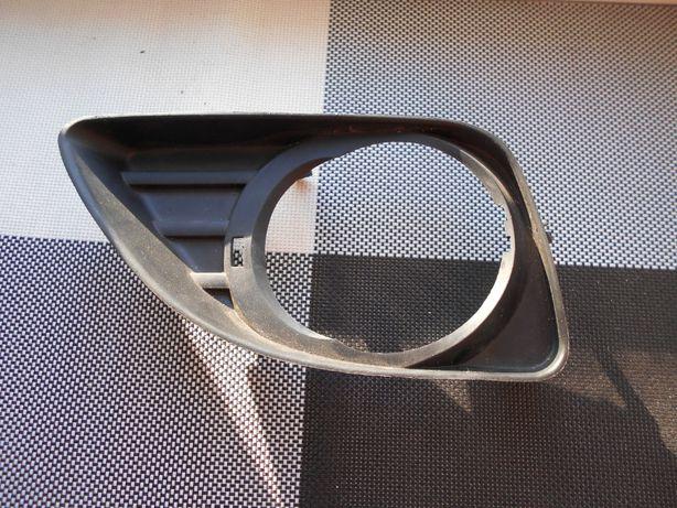 Рамка противотуманной фары Тойота Камри с 2010г.в.