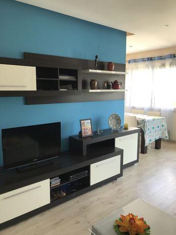 Aluga-se quarto mobilado