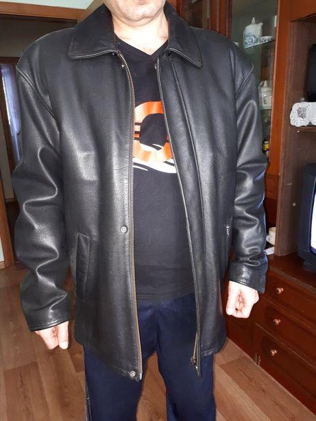 Продам шкіряну куртку зимово-осінню в гарному стані